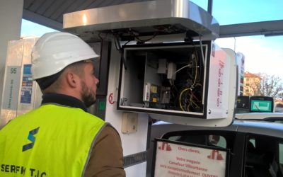 Caisson numérique 2 Station Essence Maintenance